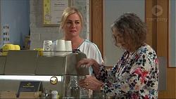 Lauren Turner, Pam Willis in Neighbours Episode 7345