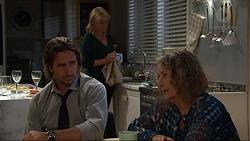 Lauren Turner, Brad Willis, Pam Willis in Neighbours Episode 7347
