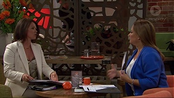 Julie Quill, Terese Willis in Neighbours Episode 7349