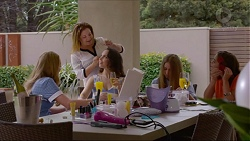 Xanthe Canning, Terese Willis, Imogen Willis, Piper Willis, Paige Smith in Neighbours Episode 7352