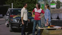 "Jack Callaghan, Gary ""Gazza"" Saunders, Amy Williams in Neighbours Episode 7355"