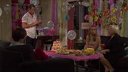 Angus Beaumont-Hannay, Aaron Brennan, Xanthe Canning, Sheila Canning in Neighbours Episode 7368