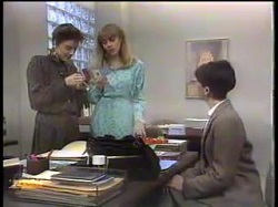 Gail Robinson, Jane Harris, Hilary Robinson in Neighbours Episode 0862