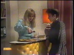 Jane Harris, Gail Robinson in Neighbours Episode 0863