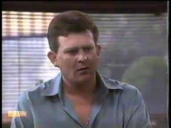 Des Clarke in Neighbours Episode 0864