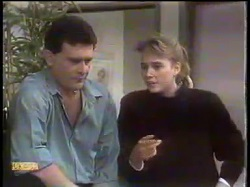 Des Clarke, Bronwyn Davies in Neighbours Episode 0865