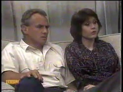 Jim Robinson, Beverly Marshall in Neighbours Episode 0865