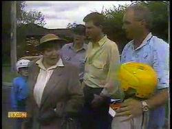 Toby Mangel, Edith Chubb, Joe Mangel, Des Clarke, Jim Robinson, Katie Landers in Neighbours Episode 0866