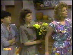 Hilary Robinson, Beverly Robinson, Madge Bishop in Neighbours Episode 0866