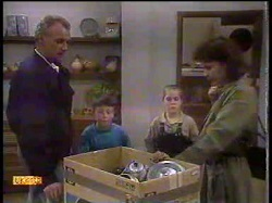 Jim Robinson, Toby Mangel, Katie Landers, Beverly Robinson in Neighbours Episode 0866