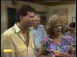Des Clarke, Jim Robinson, Madge Bishop, Hilary Robinson in Neighbours Episode 0866