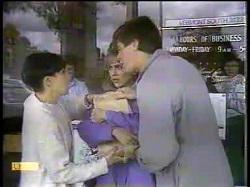 Hilary Robinson, Jane Harris, Joe Mangel in Neighbours Episode 0867