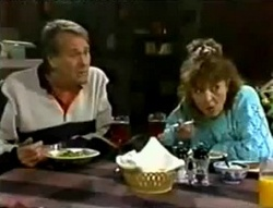 Doug Willis, Pam Willis in Neighbours Episode 1574