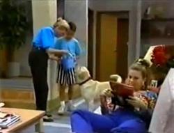 Helen Daniels, Toby Mangel, Bouncer, Lucy Robinson in Neighbours Episode 1574