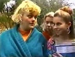 Brenda Riley, Helen Daniels, Lucy Robinson in Neighbours Episode 1574