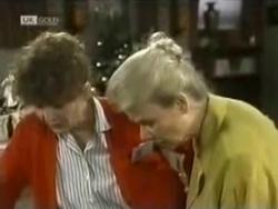 Pam Willis, Helen Daniels in Neighbours Episode 1583