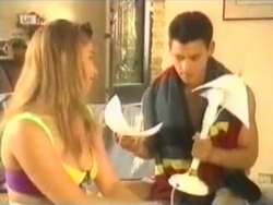 Lucy Robinson, Josh Anderson in Neighbours Episode 1584