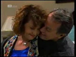 Pam Willis, Doug Willis in Neighbours Episode 1698
