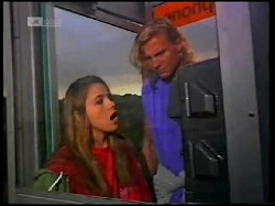 Lucy Robinson, Brad Willis in Neighbours Episode 1699