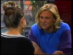 Lucy Robinson, Brad Willis in Neighbours Episode 1700
