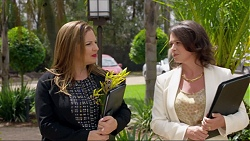 Terese Willis, Julie Quill in Neighbours Episode 7374