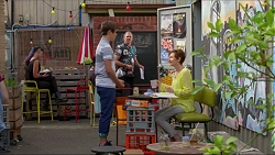 Angus Beaumont-Hannay, Karl Kennedy, Susan Kennedy in Neighbours Episode 7375