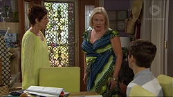 Susan Kennedy, Sheila Canning, Angus Beaumont-Hannay in Neighbours Episode 7377