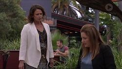 Julie Quill, Terese Willis in Neighbours Episode 7382