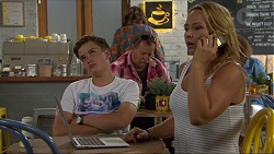 Charlie Hoyland, Steph Scully in Neighbours Episode 7385