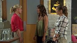 Lauren Turner, Paige Novak, Amy Williams in Neighbours Episode 7386