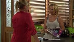 Lauren Turner, Steph Scully in Neighbours Episode 7387