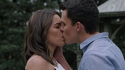 Paige Novak, Jack Callaghan in Neighbours Episode 7392