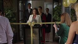 Julie Quill, Sonya Mitchell in Neighbours Episode 7393