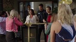 Julie Quill, Mark Brennan, Sonya Mitchell, Lauren Turner in Neighbours Episode 7393
