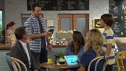 Paul Robinson, Justyn Gutmann, Amy Williams, Madison Robinson, Jimmy Williams in Neighbours Episode 7395