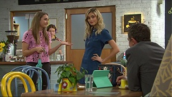 Piper Willis, Madison Robinson, Paul Robinson in Neighbours Episode 7396