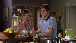 Susan Kennedy, Angus Beaumont-Hannay in Neighbours Episode 7397