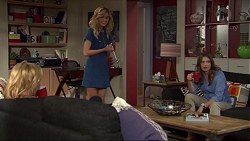 Steph Scully, Madison Robinson, Amy Williams in Neighbours Episode 7397