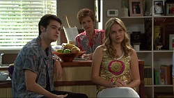 Ben Kirk, Susan Kennedy, Xanthe Canning in Neighbours Episode 7397