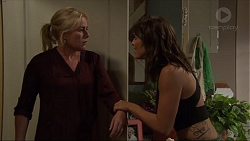 Lauren Turner, Paige Novak in Neighbours Episode 7399