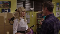 Madison Robinson, Paul Robinson in Neighbours Episode 7400