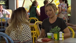 Sonya Mitchell, Steph Scully in Neighbours Episode 7402