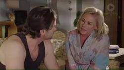 Brad Willis, Lauren Turner in Neighbours Episode 7403