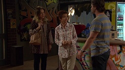 Susan Kennedy, Sonya Mitchell, Brad Willis in Neighbours Episode 7404