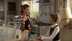 Amy Williams, Madison Robinson in Neighbours Episode 7405