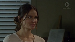 Elly Conway in Neighbours Episode 7411