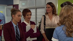 Piper Willis, Susan Kennedy, Elly Conway, Xanthe Canning in Neighbours Episode 7412