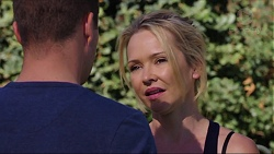 Mark Brennan, Steph Scully in Neighbours Episode 7413