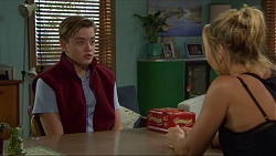 Charlie Hoyland, Steph Scully in Neighbours Episode 7413