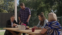 Paul Robinson, Gary Canning, Amy Williams, Sheila Canning in Neighbours Episode 7417